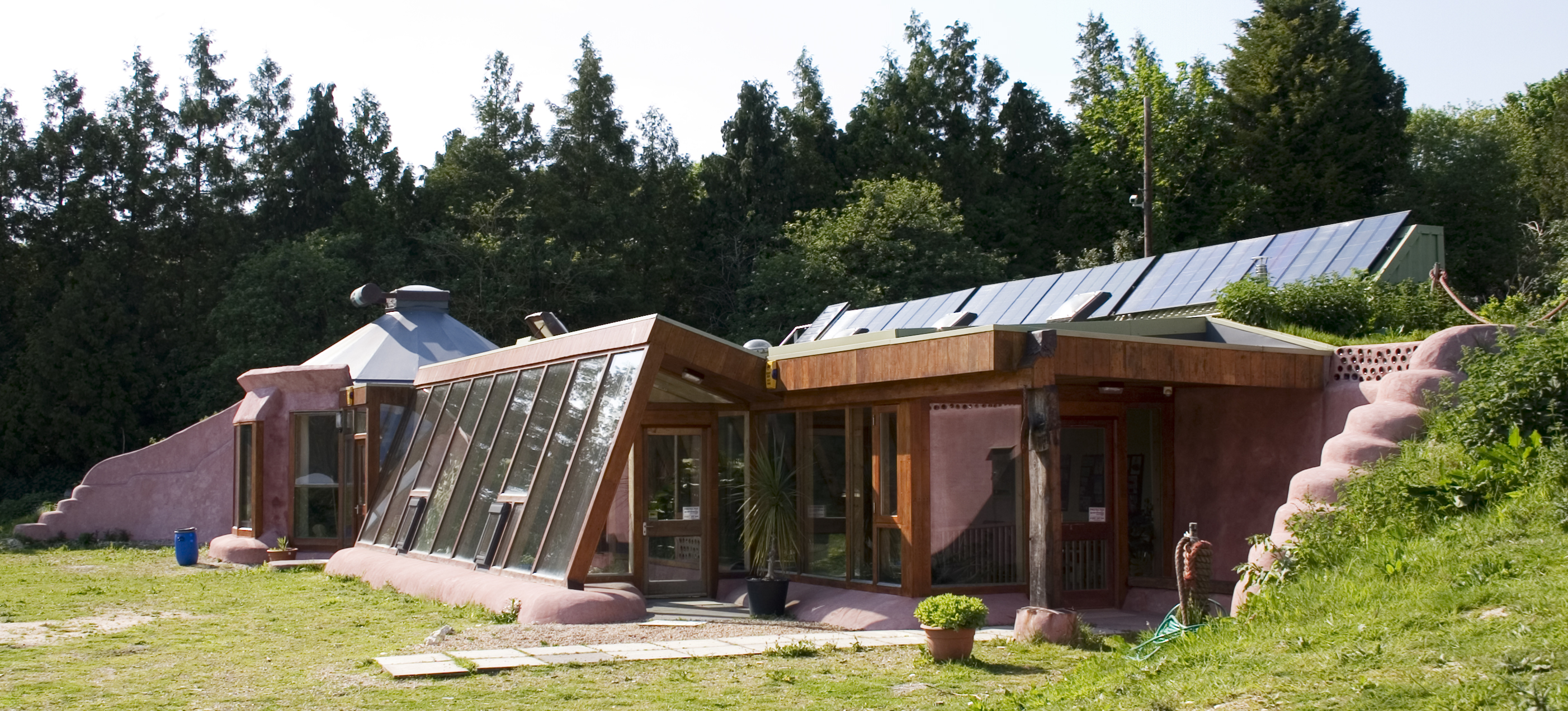 Earthship_sostenibilidad edificio vivienda construccion